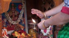Varalakshmi Pooja дома Индия видеоматериал
