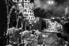 Varanasi, Índia - dezembro, 9o, 2017 Cerimônia de Ganga Aarti em D Imagens de Stock