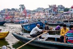 Varanasi afton på den Ganga floden Arkivfoton