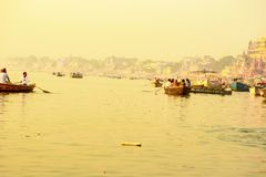 Varanasi flod Ganges, November 2016 arkivbilder
