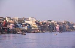 Varanasi, flodbank och ghats Royaltyfri Foto