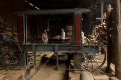 VARANASI, INDIA � DEC 7, 2015: Unidentified Indian Carpenters at Royalty Free Stock Images