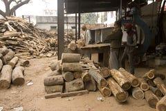 VARANASI, INDIA � DEC 7, 2015: Unidentifieds Indian Carpenters a Royalty Free Stock Image