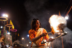 Brahim priest conducting Hindu ceremony in Varanasi Stock Images