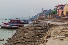 VARANASI, INDIA - OCTOBER 25, 2016: View of a Ghat riverfront steps of sacred river Ganges in Varanasi, Ind. Ia royalty free stock photos