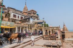 VARANASI, INDIA - OCTOBER 25, 2016: View of a Ghat riverfront steps of sacred river Ganges in Varanasi, Ind. Ia royalty free stock images