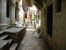 Varanasi, Uttar Pradesh, India - November 3, 2009 Stegen in Varanasi India stock foto's