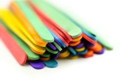 Varas coloridas do gelado no fundo branco Fotografia de Stock