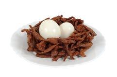 Varas da carne decoradas sob a forma do ninho do pássaro Imagens de Stock Royalty Free