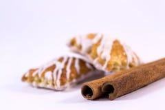 Varas de canela com cookies Fotografia de Stock