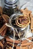 Varas de canela e laranja seca Fotografia de Stock