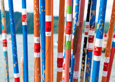Varas de pesca de bambu tradicionais coloridas Imagem de Stock