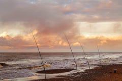 Varas de pesca do mar introduzidas imagens de stock