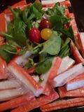 Varas envolvidas mas refrigeradas do caranguejo fotografia de stock