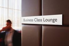 Vardagsrum för affärsgrupp i flygplats Arkivfoto