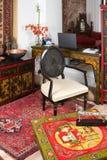 Modernt vardagsrum Indien royaltyfri foto