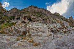 Vardzia - монастырь пещеры в Georgia Стоковые Фотографии RF