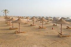 Vare con las chozas vacías múltiples, Mar Rojo, Egipto Foto de archivo
