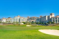 Vare el paisaje con el hotel de lujo, isla de Saadiyat en Ara unido Foto de archivo