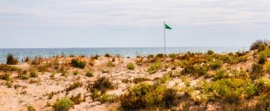 Vare las dunas en el sol, escena de la playa con el espacio de la copia, dunas de arena Fotografía de archivo libre de regalías