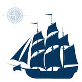 Varend die schip op witte achtergrond wordt geïsoleerd Royalty-vrije Stock Foto's