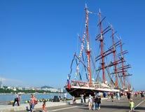 Varend schip Sedov in de zeehaven van Sotchi Royalty-vrije Stock Foto