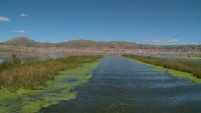 Varend van Puno-Haven, Meer Titicaca, Peru stock videobeelden
