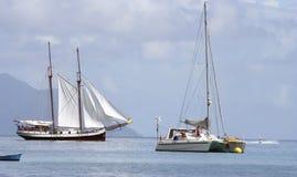 Varende boot, catamaran, straalski Royalty-vrije Stock Fotografie