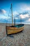 Varende Boot op een Strand stock afbeeldingen