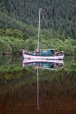 Varende boot in Schotland Stock Foto's