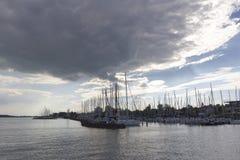 Varende boten bij meer Balaton Stock Foto's