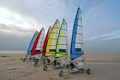 Varende karren bij de Nederlandse kust Stock Afbeelding