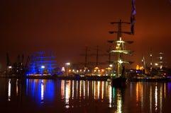 Varende schepen die haven gelijk maken royalty-vrije stock afbeeldingen
