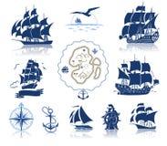 Varende schepensilhouetten en mariene symbolen iconset Royalty-vrije Stock Foto's