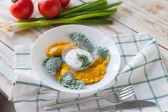 Vareniki a appelé également des boulettes, varenyky Photos stock