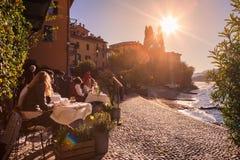 Varenna by, Como sjö, Italien arkivfoto