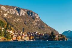 Varennadorp, Como-meer, Italië Royalty-vrije Stock Afbeeldingen