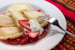 Varenyky用草莓调味汁 库存图片