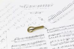 Vargan - altes Musikinstrument vom Wortlippenmund Bezieht sich auf samostudium Die Harfe ist ein dünnes, die Enge hölzern oder Ba lizenzfreies stockbild
