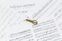 Vargan - altes Musikinstrument vom Wortlippenmund Bezieht sich auf samostudium Die Harfe ist ein dünnes, die Enge hölzern oder Ba lizenzfreie stockfotos