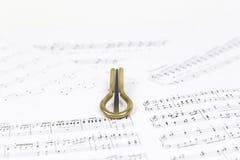 Vargan - altes Musikinstrument vom Wortlippenmund Bezieht sich auf samostudium Die Harfe ist ein dünnes, die Enge hölzern oder Ba Stockfotografie