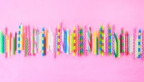 Variété de bougies d'anniversaire Photo stock