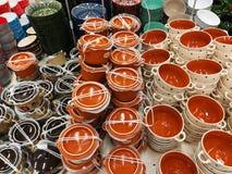 Variété de cuvettes de couleur pour la soupe Photos stock