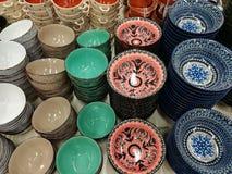 Variété de cuvettes de couleur pour la soupe Photo stock