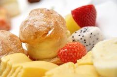Variété de desserts et de pâtisseries délicieux Image libre de droits