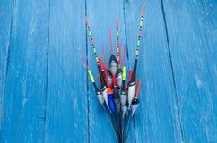 Variété de flotteurs de pêche Flotteurs multicolores Photographie stock libre de droits