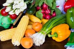 Variété de légumes frais et de fruits Images libres de droits