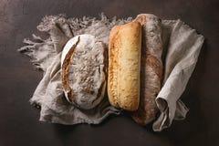 Variété de pain d'artisan Images libres de droits