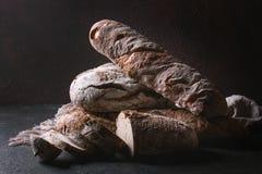 Variété de pain d'artisan Photos libres de droits