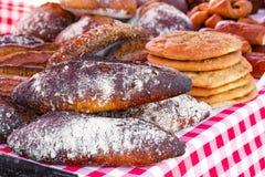 Variété de pains d'artisan Images libres de droits